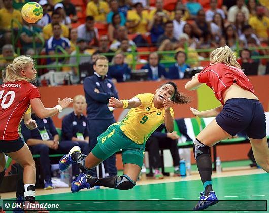 Sports JO 2016 -HANDBALL FEMMES Quart_pres_bresil_belo