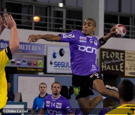 Lanester-Cherbourg : 27-30 (13-13)