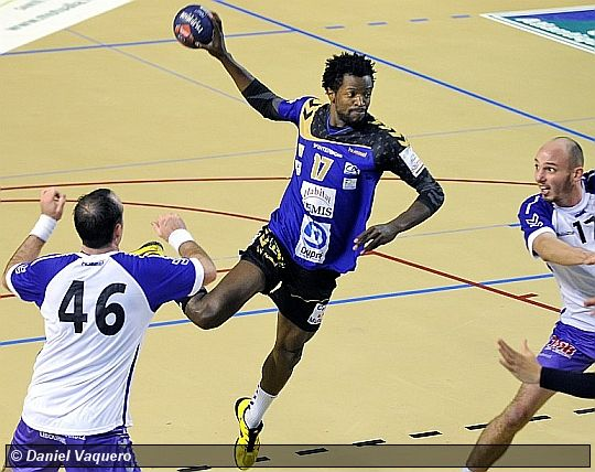 L'US Saintes Handball part en vacances en leader