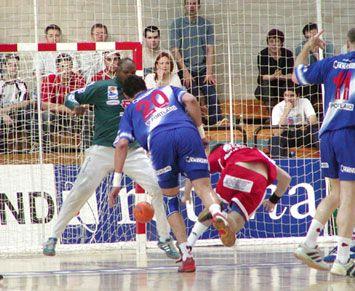 Laurent Puigsegur qui s-arrache pour buter contre Rivero